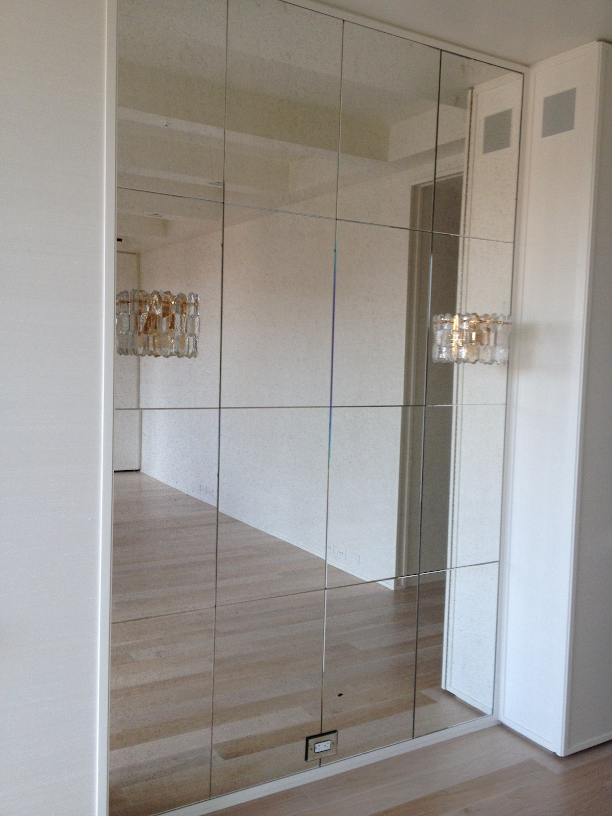 install wall mirrors without damaging your apartment walls centreville va
