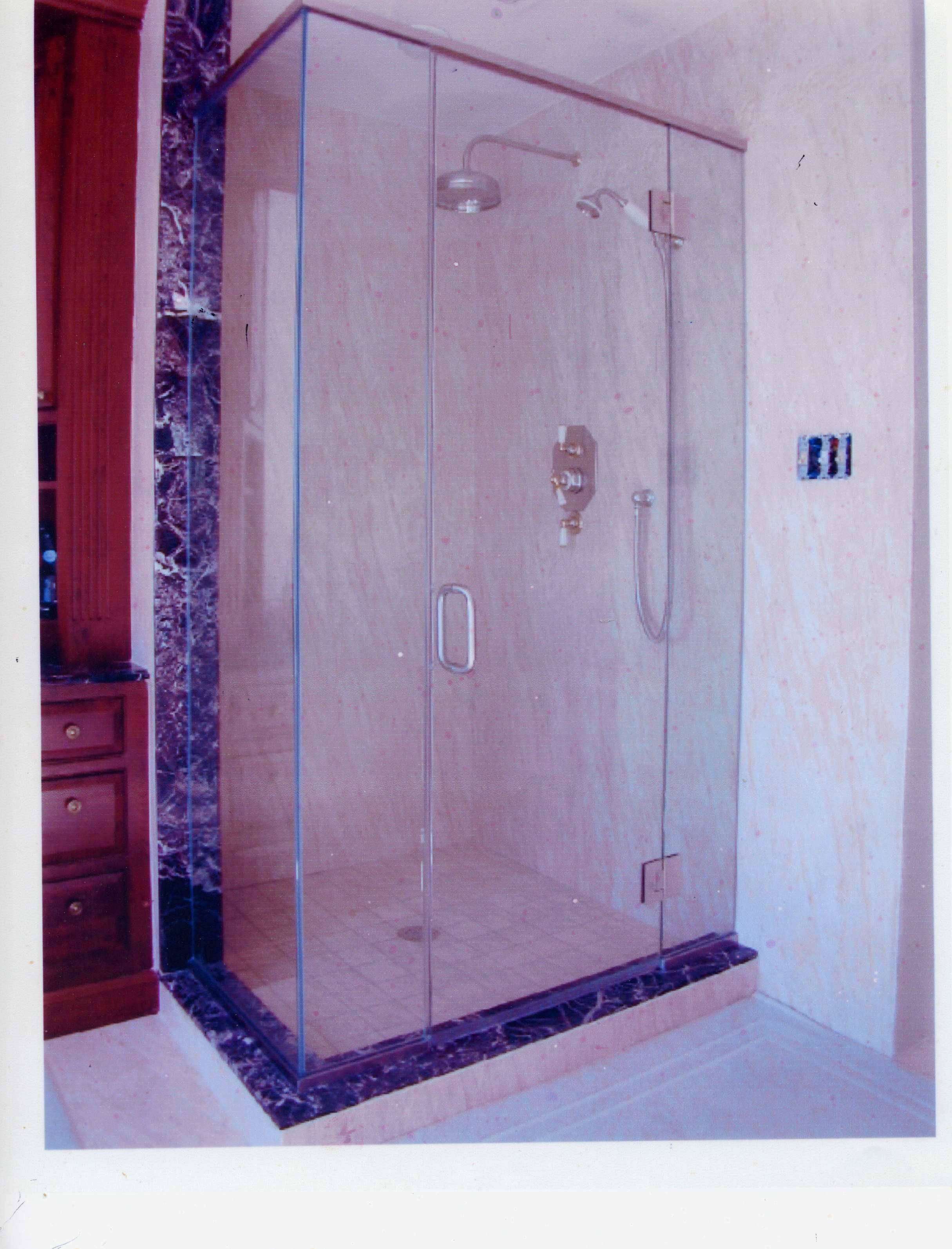 Shower Doors The Best Option For Your Al