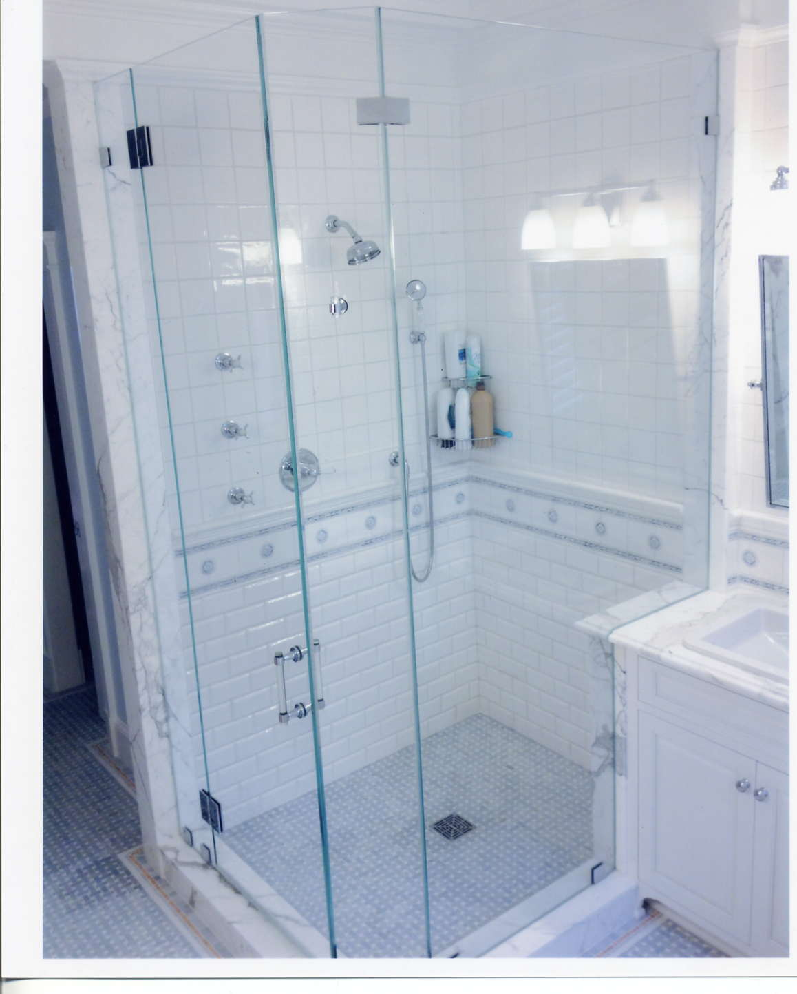 why-glass-shower-doors-are-the-best-choice-for-seniors-fairfax-va